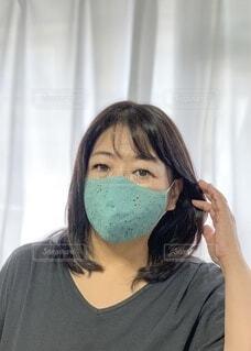 マスクの女性の写真・画像素材[3687060]