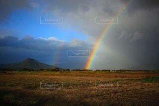 虹のある風景の写真・画像素材[3888120]
