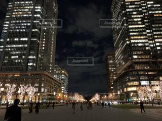 夜の街の眺めの写真・画像素材[2836134]
