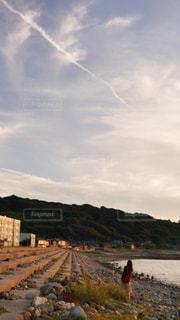 ヒコーキ雲の写真・画像素材[1022211]