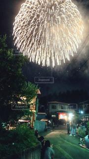 空に花火の写真・画像素材[1022246]