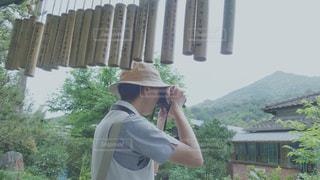 台湾の竹筒とカメラマンの写真・画像素材[2238411]