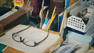 小さな会社の事務机の写真・画像素材[2766613]