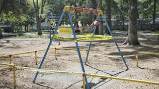 緊急事態宣言中の公園の写真・画像素材[3132435]