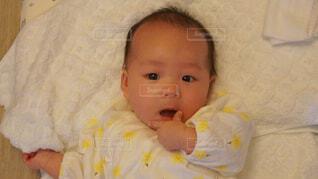 キメ顔赤ちゃんの写真・画像素材[4532347]