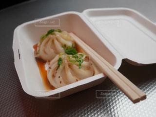 食べ物・プラスチック容器・小籠包の写真・画像素材[2841872]