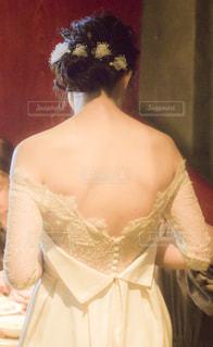 ウェディングドレスを着た人の写真・画像素材[2861438]