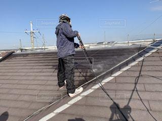 屋根の高圧洗浄の写真・画像素材[3052931]