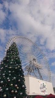 ビッグホイール&クリスマスツリーの写真・画像素材[2846039]