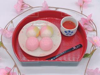 三色団子とお茶の写真・画像素材[3056482]