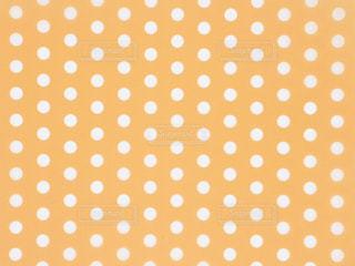 黄色 水玉 背景素材の写真・画像素材[3096704]