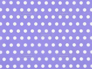 水玉 紫 背景素材の写真・画像素材[3096706]