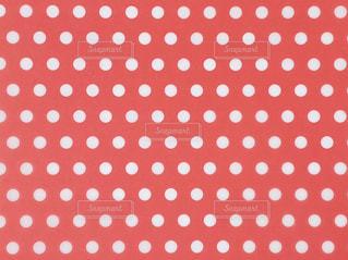 赤 水玉 背景の写真・画像素材[3096700]
