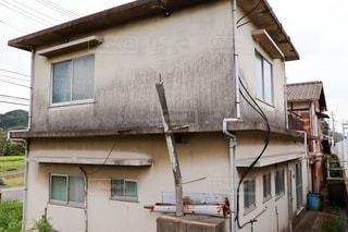 古びた廃屋 撮影許可取得済の写真・画像素材[3506681]