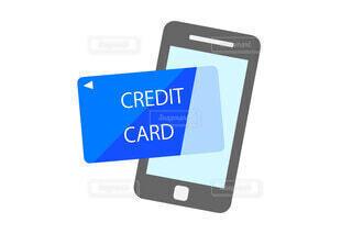 クレジットカードとスマホの写真・画像素材[3718555]