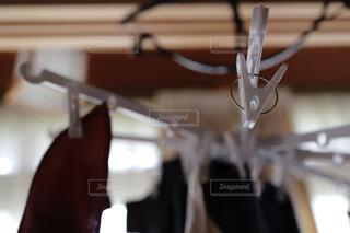洗濯物の部屋干しの写真・画像素材[4512564]