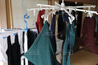 洗濯物の部屋干しの写真・画像素材[4512568]