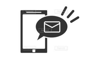 スマートフォン メール受信 イラストの写真・画像素材[4770515]