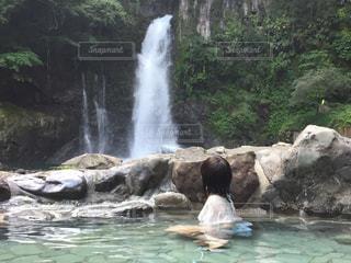 滝と温泉の写真・画像素材[2847515]