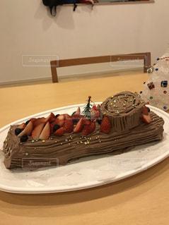 テーブルの上のケーキの写真・画像素材[938177]