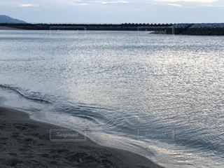晩夏の海の写真・画像素材[2439405]