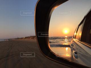 車のサイドミラー ビューの写真・画像素材[997697]