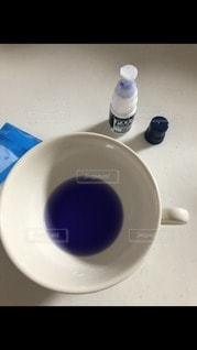 青のうがい薬の写真・画像素材[2870343]
