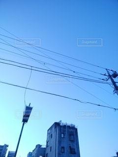 古いビルと電線の写真・画像素材[2911483]