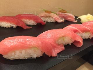 マグロ尽くしの寿司の写真・画像素材[3209170]