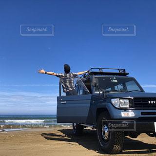 日本で唯一、砂浜を走れる国道の写真・画像素材[2953006]
