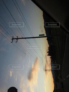 夕焼けドライブの写真・画像素材[2876898]