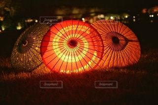 カラフルな傘のクローズアップの写真・画像素材[2939917]