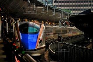 東京駅に停車中の北陸新幹線の写真・画像素材[3535322]