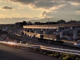 大阪府豊中市・夕陽の照らす都市の眺めの写真・画像素材[2887747]