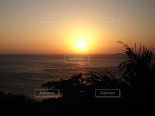 夕日の爆発の写真・画像素材[2887573]