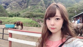 馬と自撮りの写真・画像素材[2890680]