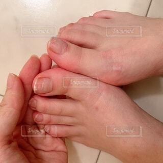 足と手の写真・画像素材[4874648]