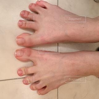 指を開いた足の写真・画像素材[4874654]