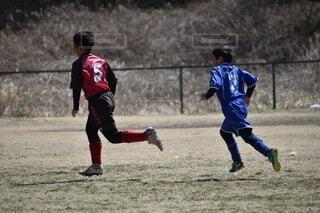 サッカー少年兄弟の写真・画像素材[3866942]