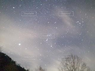 冬の星空の写真・画像素材[2910430]
