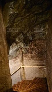 洞窟風呂への入口の写真・画像素材[2938682]