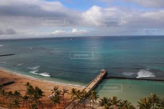 埠頭のあるビーチの写真・画像素材[2918319]