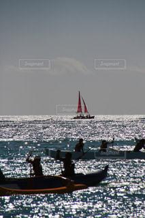 カヌーとヨットの写真・画像素材[2918323]