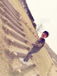 階段に立っている人の写真・画像素材[2970763]