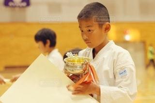 空手の大会で優勝した小学生の写真・画像素材[2970800]