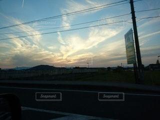 日没時の街の眺めの写真・画像素材[2919317]