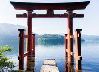 箱根神社の赤鳥居の写真・画像素材[3788514]