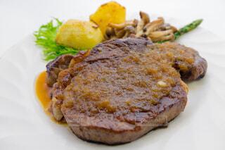 牛フィレ肉のステーキの写真・画像素材[3811989]