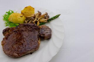 牛フィレ肉のステーキの写真・画像素材[3811995]
