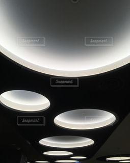 丸い光の写真・画像素材[2923787]